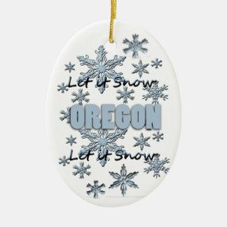 それオーナメント割り当てられるオレゴンのクリスマスの雪が降るため セラミックオーナメント