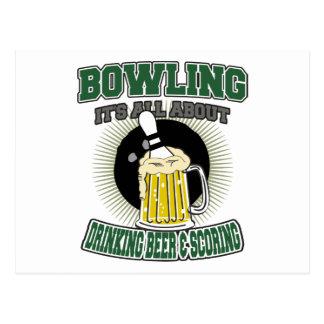 それボーリングをすることは飲むビール及び記録について完全にあります ポストカード