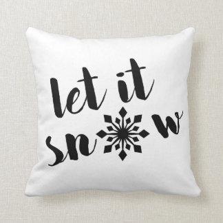 それ枕割り当てられるブラシの原稿のタイポグラフィの引用文の雪が降るため クッション