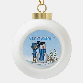 それ陶磁器の球のオーナメント割り当てられる雪だるまの雪が降るため セラミックボールオーナメント