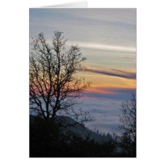 たそがれの霧に満ちた谷 カード
