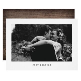 たった今結婚しましたのシンプルな結婚式の写真の発表 12.7 X 17.8 インビテーションカード