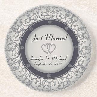 たった今結婚しましたの結婚式のプレート ドリンクコースター