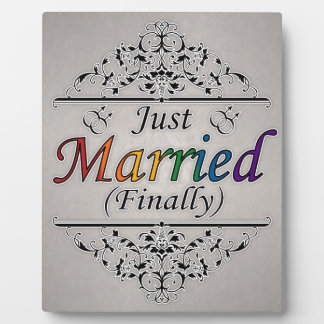 たった今結婚しましたの(最終的に)陽気なデザイン フォトプラーク