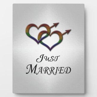 たった今結婚しましたゲイプライド フォトプラーク