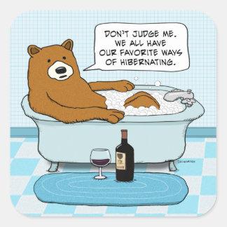 たらいでリラックスするおもしろいなくまの飲むワイン スクエアシール