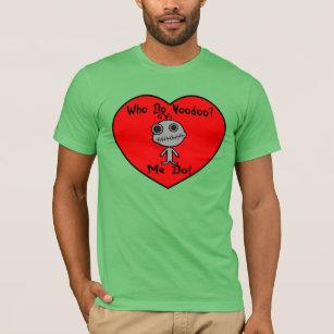 だれが人形にヴードゥー教の呪いをかけるか Tシャツ