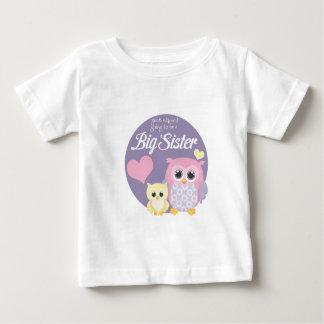 だれが姉であるべきを行っているか推測か。 パステル調のフクロウ ベビーTシャツ