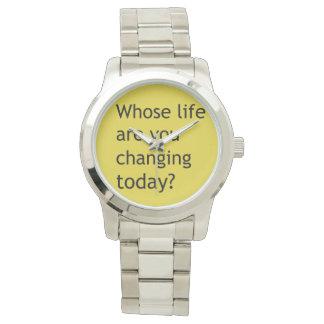 だれの生命を今日変えていますか。 腕時計