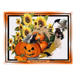 ちょうどスカンクの幸せな秋の収穫の恵み ポストカード