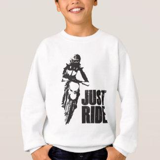ちょうど乗車のオートバイ スウェットシャツ