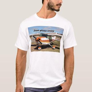 ちょうど平らな熱狂する: セスナSkyhawkの航空機 Tシャツ