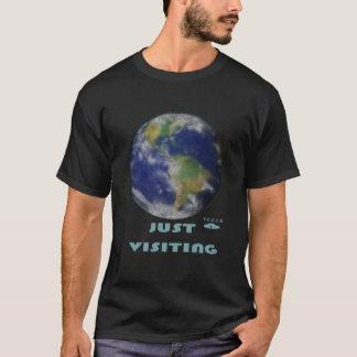 ちょうど訪問のTシャツ Tシャツ