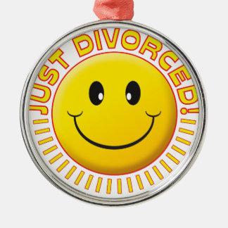 ちょうど離婚されたスマイリー メタルオーナメント