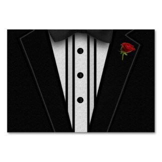 ちょうネクタイが付いている黒いタキシード カード