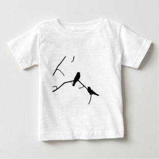 つばめまたはSwiftsのシルエット愛野鳥観察 ベビーTシャツ