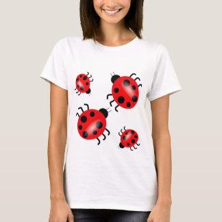 てんとう虫の人気があるなコップのケーキのワイシャツ Tシャツ
