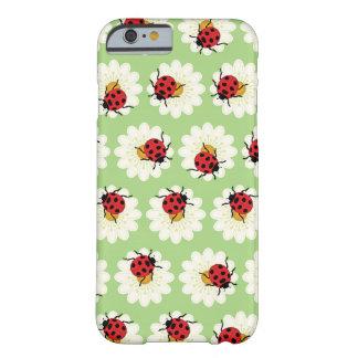 てんとう虫パターン BARELY THERE iPhone 6 ケース