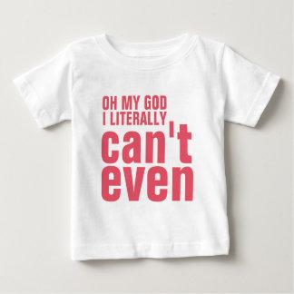 できない小さな女の子 ベビーTシャツ