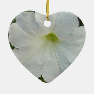 ともに永久に白いペチュニアのオーナメント 陶器製ハート型オーナメント