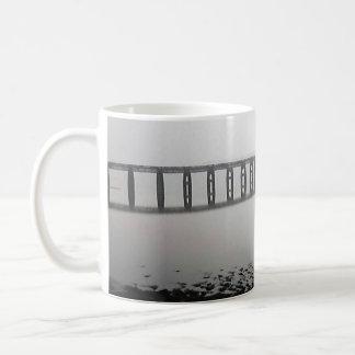 どこもへの橋 コーヒーマグカップ