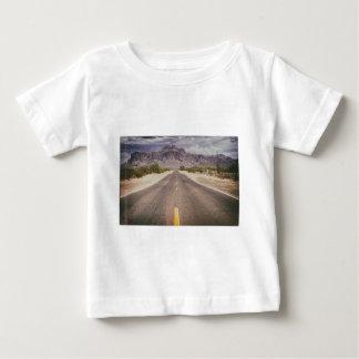 どこもへの道 ベビーTシャツ