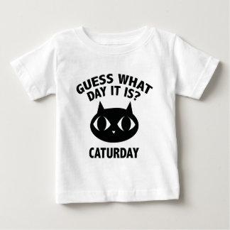 どんな日それがであるか推測か。 Caturday ベビーTシャツ