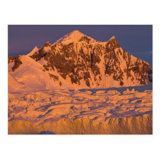 に沿う凍結する氷山の景色 ポストカード