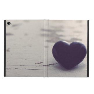 ぬれた砂浜の感情的な紫色の石造りのハート POWIS iPad AIR 2 ケース