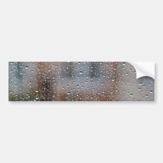 ぬれた窓からの眺め バンパーステッカー