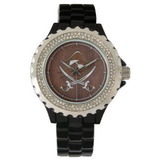 ぬれた航海のなマホガニーの海賊スカルの鋼鉄 腕時計