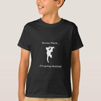 ねじ仕事、私は行くスケートボードを人です Tシャツ
