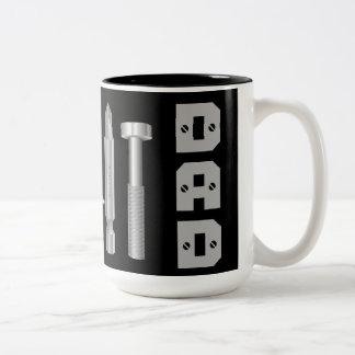 ねじ穴あけ工具の整備士の大工のパパのコーヒー・マグ ツートーンマグカップ