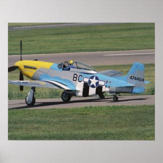 のドーナを眩ます北アメリカP-51 D ポスター