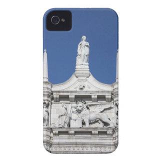 の前の総督の彫像が付いている総督の宮殿 Case-Mate iPhone 4 ケース