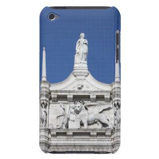の前の総督の彫像が付いている総督の宮殿 Case-Mate iPod TOUCH ケース