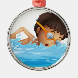 の若い男の子の水泳黄色いゴーグル メタルオーナメント