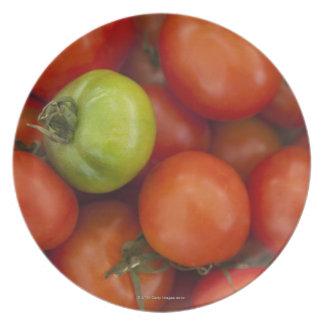 の販売のための1つの緑1の赤いトマト プレート