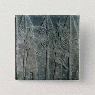 の鳥の狩りを描写するレリーフ、浮き彫り 5.1CM 正方形バッジ