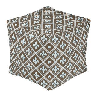 の、タータンチェック王室のな、(紋章の)フラ・ダ・リ茶色、パターン淡いブルー、 プーフ