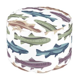 はえの魚釣りはパターンを魅惑します プーフ