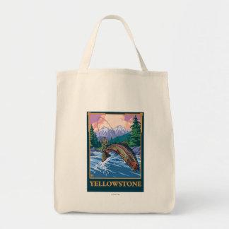 はえの魚釣り場面-イエローストーン国立公園 トートバッグ