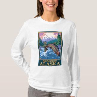 はえの魚釣り場面- Skagway、アラスカ Tシャツ