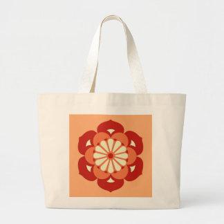 はすの花の曼荼羅、パステル調のオレンジおよびマンダリン ラージトートバッグ