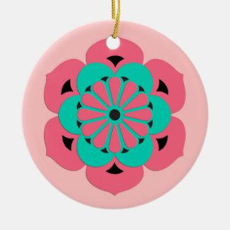 はすの花の曼荼羅、珊瑚のピンクおよびターコイズ セラミックオーナメント