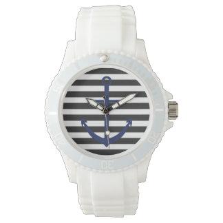 はっきりしたでストライプな濃紺のいかりの航海のな腕時計 腕時計