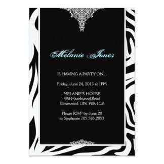はっきりしたでモダンなシマウマのプリントの誕生日のパーティの招待状 カード
