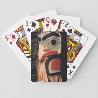 はっきりしたなアラスカ木によって切り分けられたトーテムポールカードを設計しました トランプ