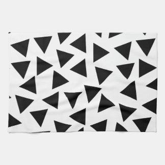 はっきりしたな白黒三角形のプリント キッチンタオル