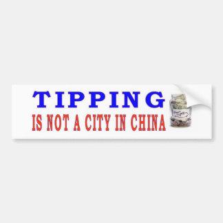 ひっくり返ることは中国の都市ではないです バンパーステッカー
